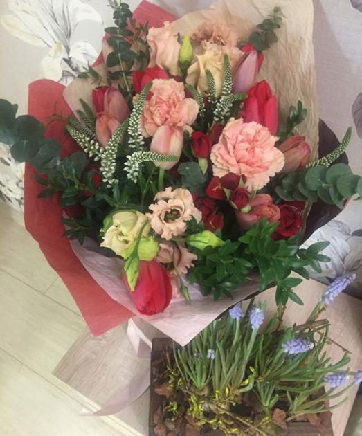 Букет ко Дню святого Валентина. Фото Instagram @vasilinka_kartinka