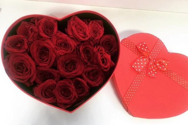 Букет ко Дню святого Валентина. Фото Instagram @zhamaletdinova_dinara