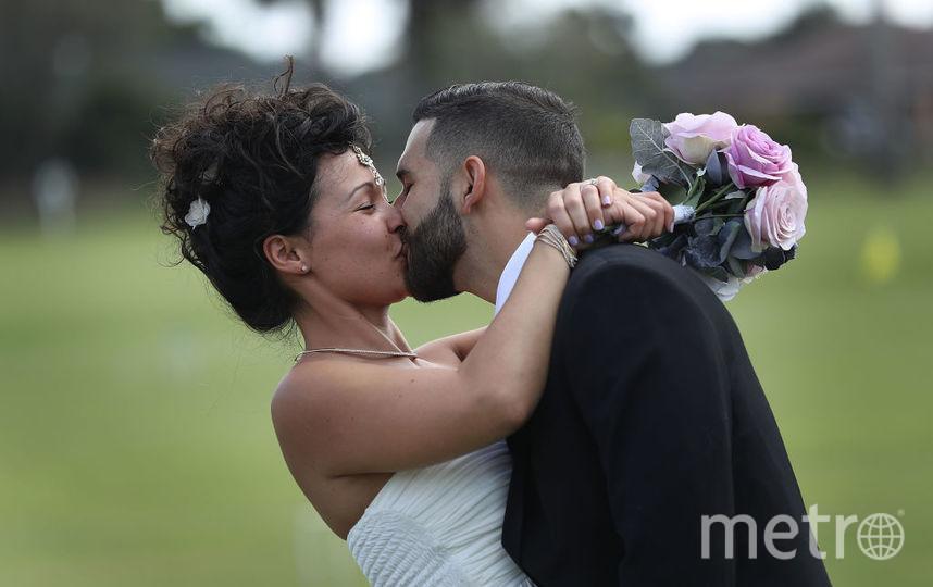 Неверных супругов в мире становится всё больше. Фото Getty