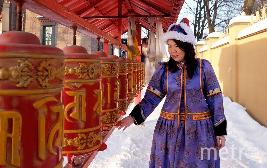"""Буддийский Новый год длится месяц. Верующие ходят в храмы на молебны, проводят обряды, составляют гороскопы на будущий год, навещают родственников и приглашают гостей. Фото Алена Бобрович, """"Metro"""""""