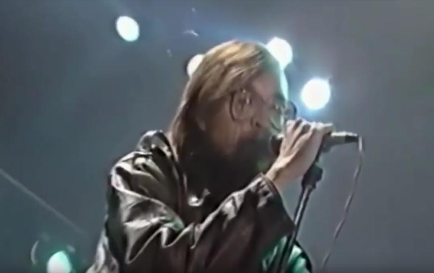 """Выступление """"Гражданской обороны"""" в 1994 году. Фото Скриншот Youtube"""