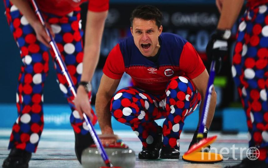 Яркие фото Олимпийских Игр. Томас Ульсруд, норвежский керлингист. Фото Getty