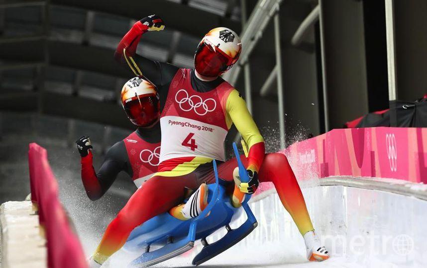 Яркие фото Олимпийских Игр. Немецкие саночники. Фото Getty