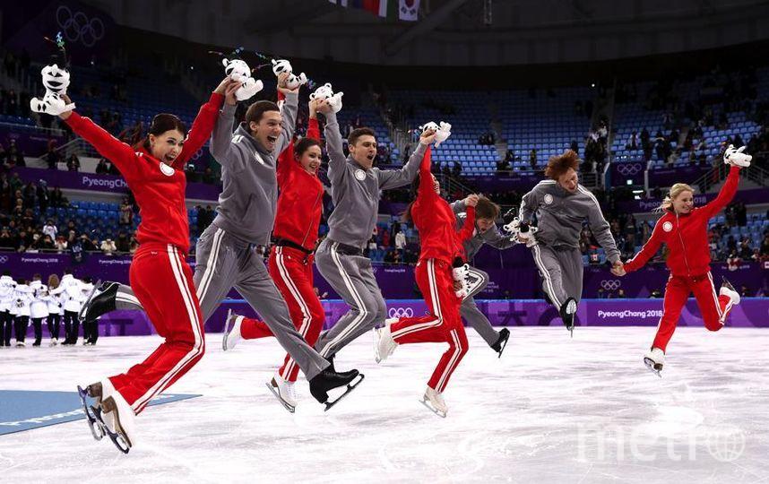 Яркие фото Олимпийских Игр. Российские фигуристы получили серебро в командных соревнованиях. Фото Getty