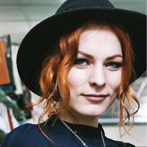 Беременная финалистка «Битвы Экстрасенсов» Мэрилин Керро показала живот