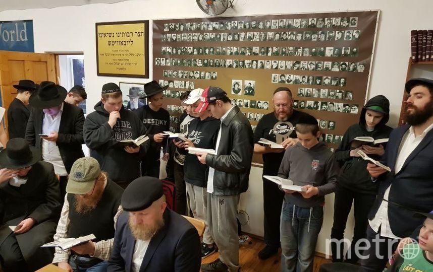 Представители петербургской еврейской общины в Любавичах. Фото большая хоральная синагога
