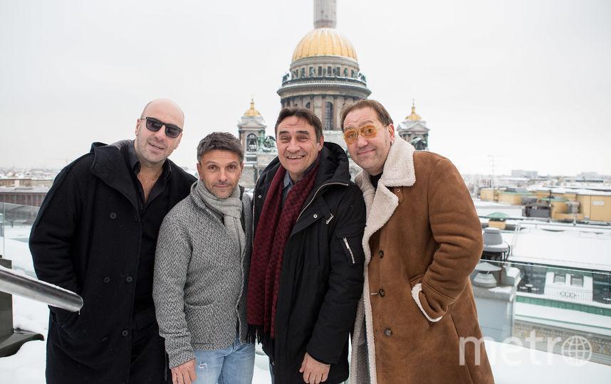 В новом фильме Леше, Славе, Камилю и Саше, отставшим от «Сапсана», приходится добираться до Питера в плацкартном вагоне. Фото   «Наше кино»