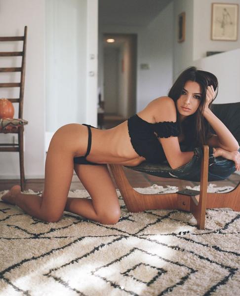 Эмили Ратаковски. Фото Скриншот Instagram: emrata