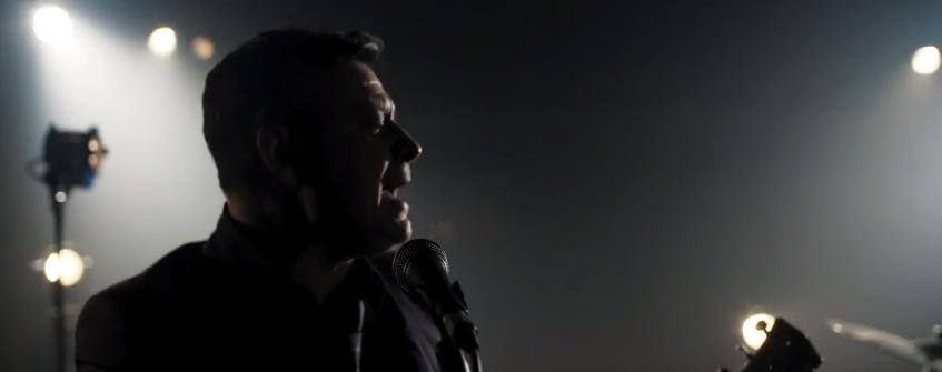 Скриншот из клипа Manic Street Preachers - Distant Colours. Фото Скриншот Youtube