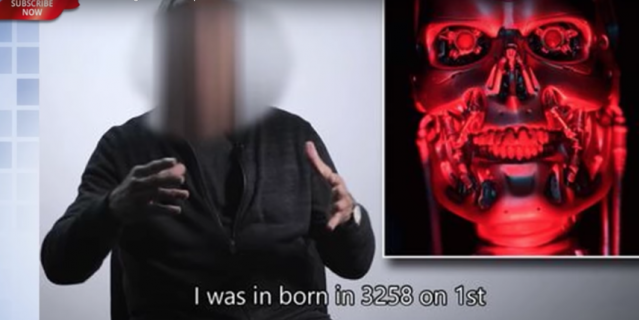 Мужчина из будущего записал видео-предостережение