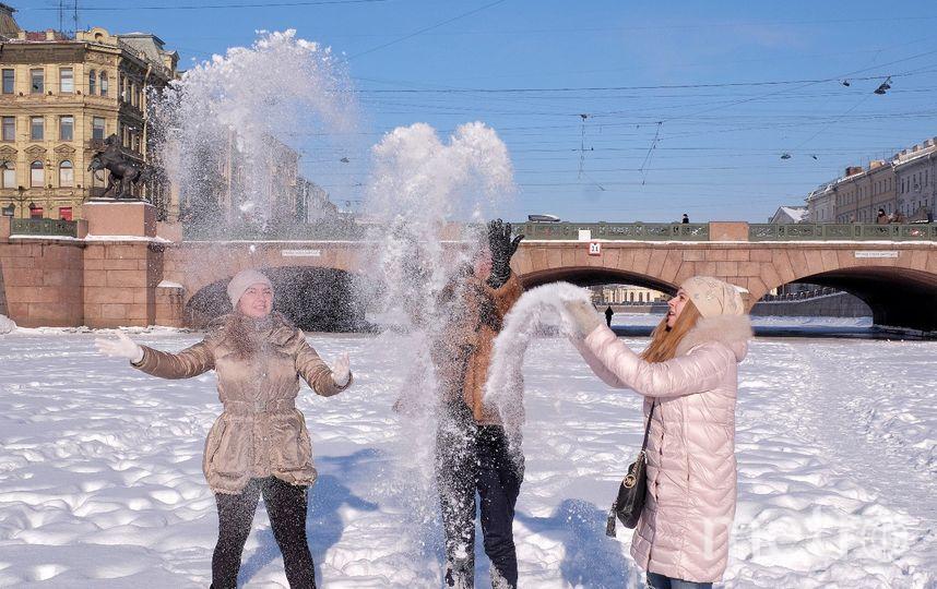 """Такие игры на льду могут закончиться печально. Фото Алена Бобрович, """"Metro"""""""