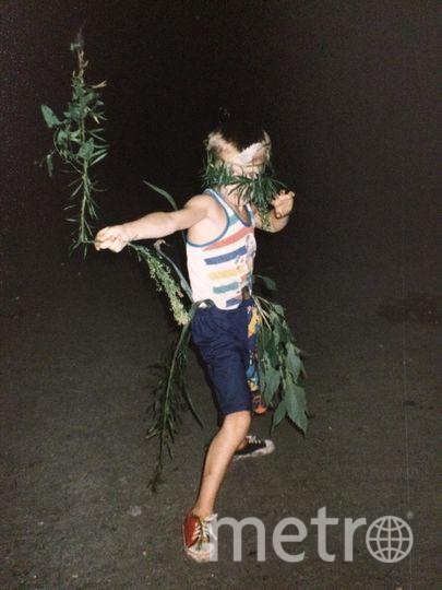 Фото из детского альбома Олега Пекарева. «Вооружён и совсем не опасен».