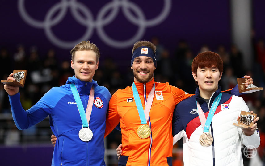 Голландский конькобежец Нёйс одержал победу 2-ое золото наОлимпиаде вКорее