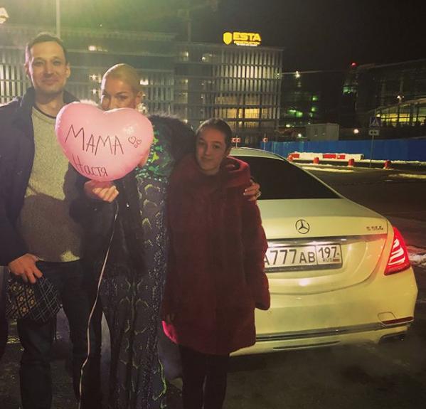 Анастасия Волочкова с Михаилом и дочерью Ариадной. Фото Скриншот Instagram: volochkova_art