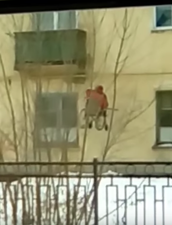 Скриншот из видео. Фото Алексей Уймёнов, Скриншот Youtube