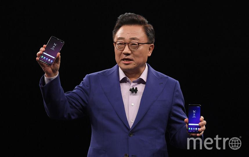 В воскресенье компания Samsung представила на презентации в Барселоне свои новые смартфоны Galaxy S9 и S9 Plus. Фото AFP