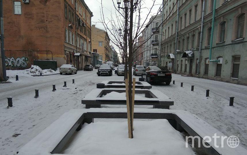 """Так выглядит недоделанная новая пешеходная зона недалеко от станции метро «Площадь Восстания». Фото """"Metro"""""""