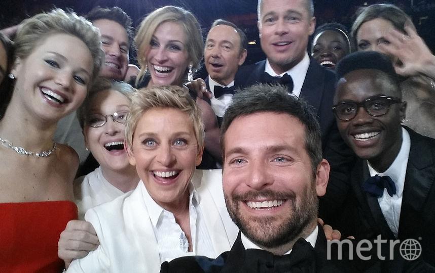 Знаменитое массовое селфи 2014 года, которое сделала Эллен Дедженерис с Бредли Купером на первом плане.. Фото Getty