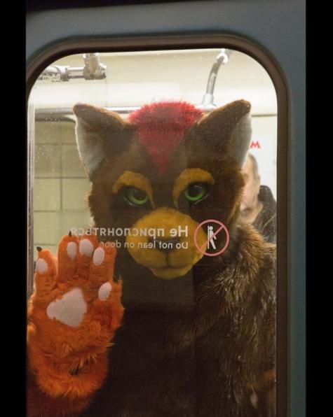"""""""Тоже совершенно обычная ситуация для метро"""". Фото Скриншот instagram.com/vlavlam/."""