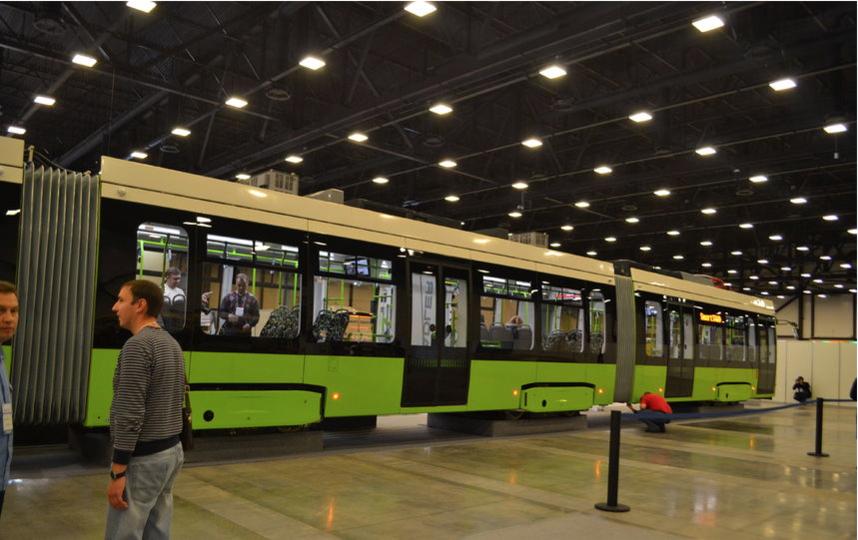 """На форуме SmartTRANSPORT 2017 впервые представили трамвай модели """"Чижик"""". Фото """"Metro"""""""