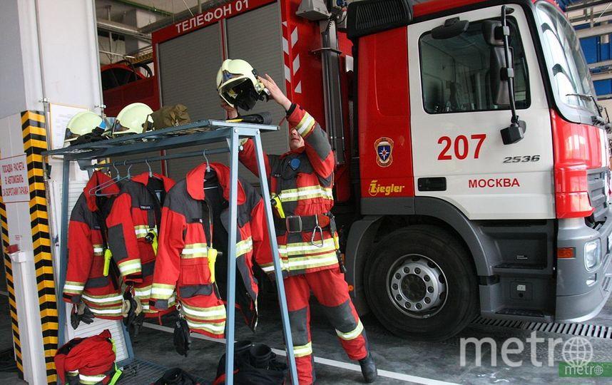 В Москве загорелось здание юрфака МГУ. Фото Василий Кузьмичёнок