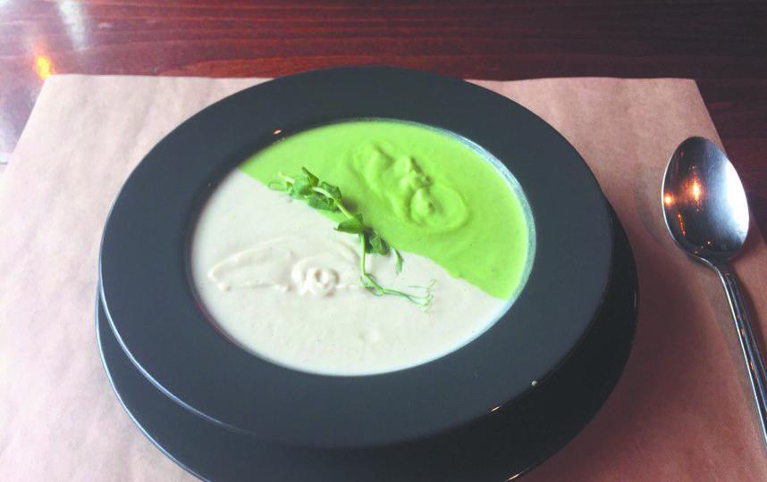 Крем-суп из брокколи и цветной капусты. Фото Анна Храмцова