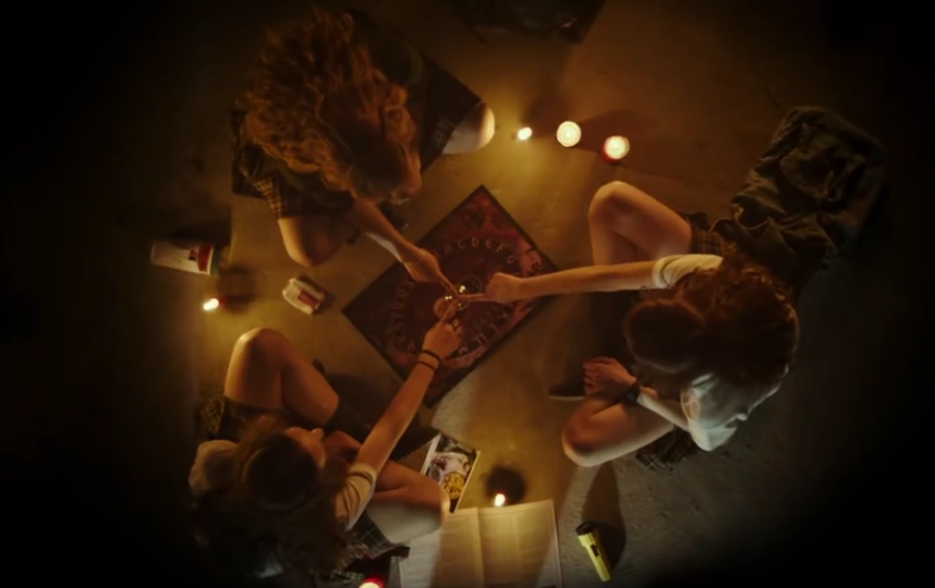 """Кадры из фильма """"Уиджи: Проклятие Вероники"""". Фото Все - скриншот YouTube"""