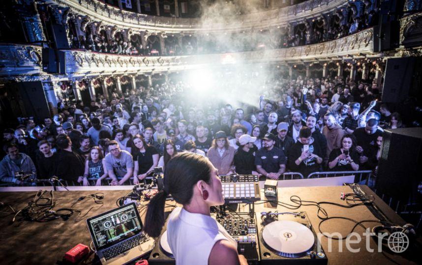Современная музыка зазвучала в классических интерьерах. Фото Red Bull