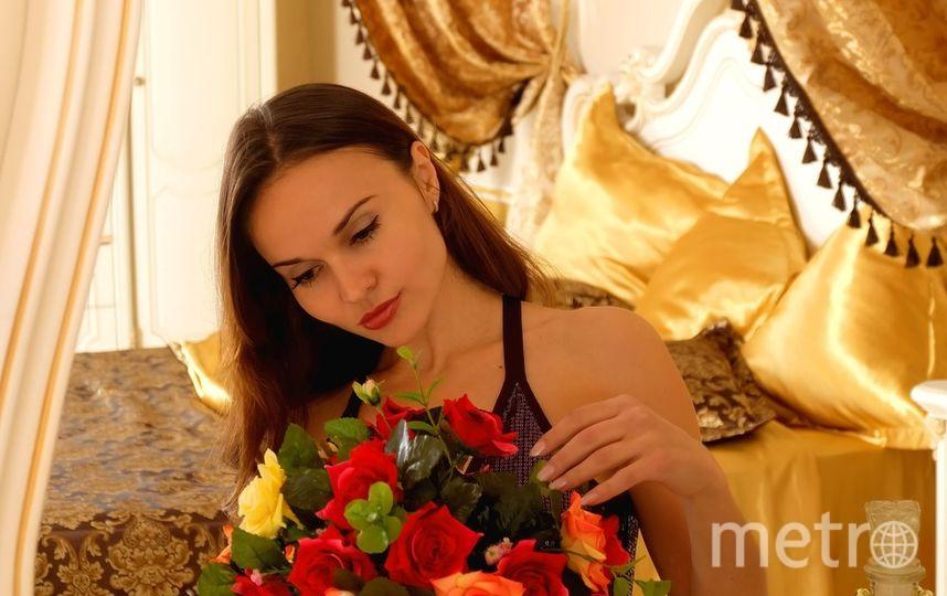 Получить цветы на 8 марта женщина может не только от своего молодого человека. Фото https://pixabay.com/