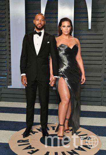 Эшли Грэм с мужем на вечеринке Vanity Fair. Фото AFP