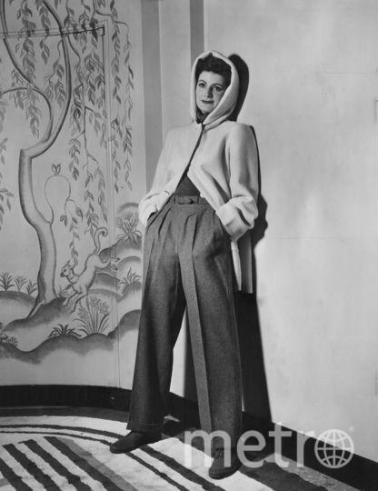 С 1930 года Коко Шанель, Марлен Дитрих и Кэтрин Хепбёрн доказывают уместность присутствия брюк в женском гардеробе и носят их, несмотря на общественное возмущение. Фото Getty