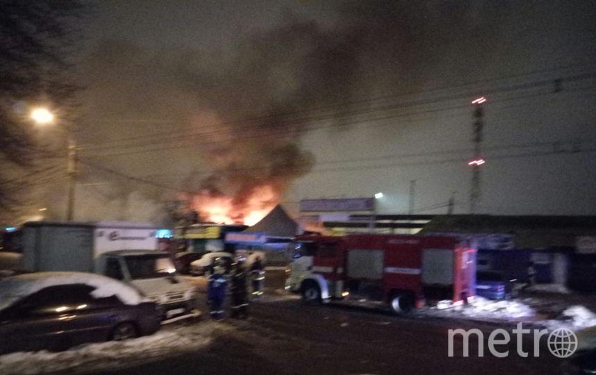Пожар в Выборгском районе тушили больше часа. Фото https://vk.com/spb_today