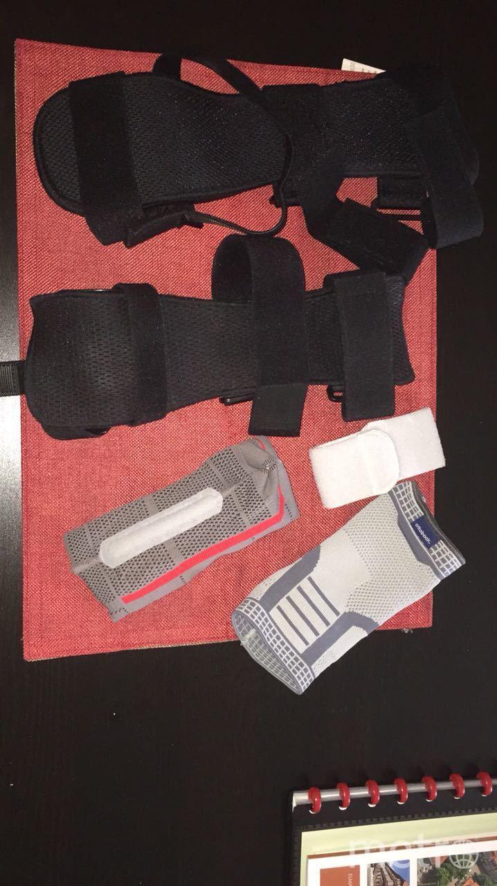 Ортезы и компрессионные повязки. Фото предоставлено Инной Шейкиной, мамой Маргариты