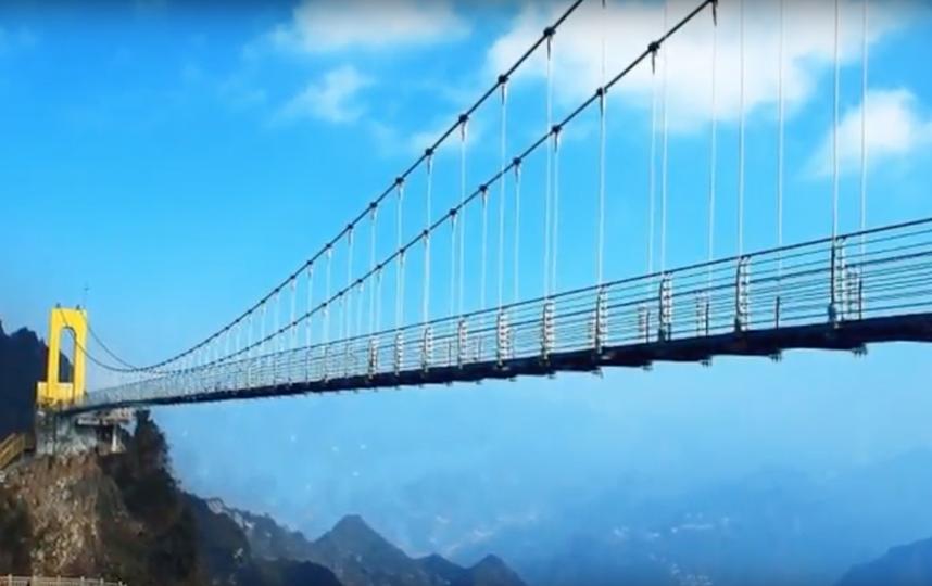 Стеклянный мост в Китае. Фото Скриншот Youtube