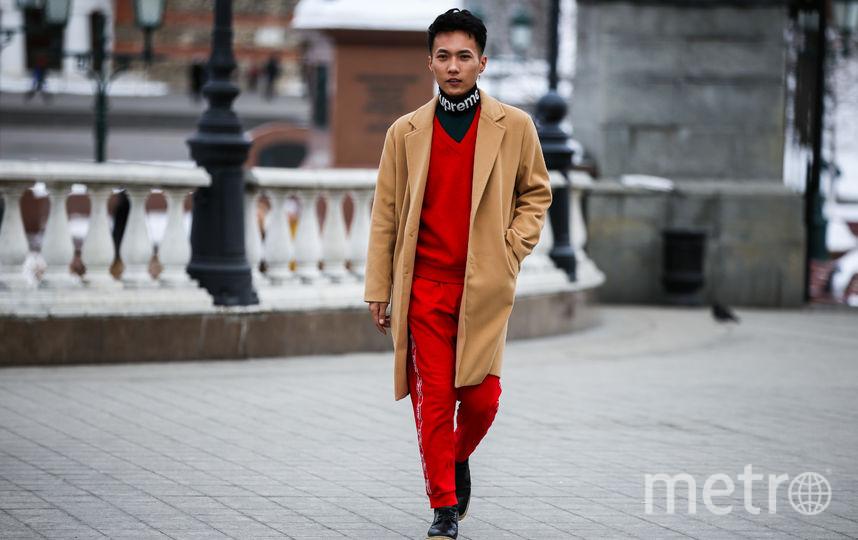 Столичные модники стремятся попасть в объективы фотографов. Фото предоставлено пресс-службой MBFW Russia