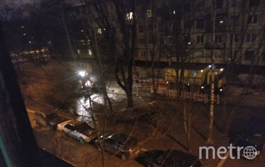 На Варшавской прорвало трубу. Фото https://vk.com/spb_today
