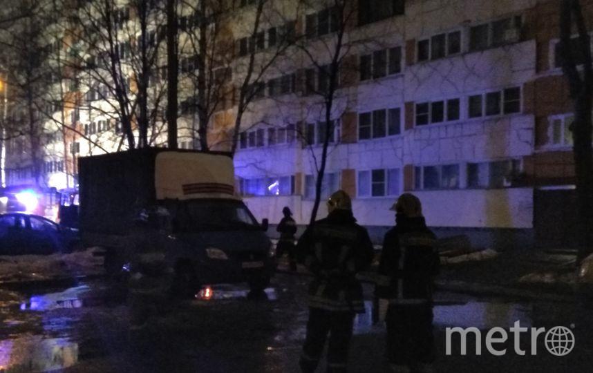"""Дом на Народного Ополчения в Петербурге серьезно пострадал от взрыва газа. Фото Ольга Рябинина, """"Metro"""""""