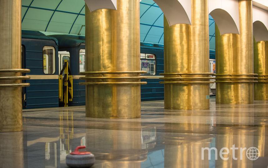 """Съемки на станции метро """"Международная"""" проходили  поздно вечером. Фото Святослав Акимов, """"Metro"""""""