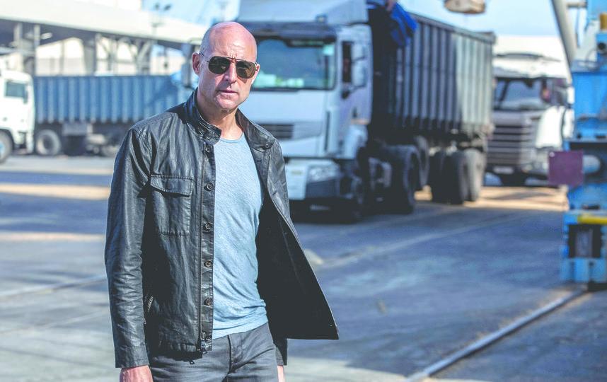 Главную роль в сериале исполнил Марк Стронг,  известный по фильму «Kingsman: Золотое кольцо». Фото предоставлено пресс-службой канала Fox