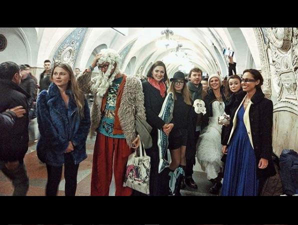 Метро в Москве самое весёлое)). Фото instagram.com/elenas3la/