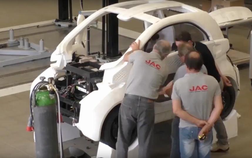 Производство электрокара LSEV. Фото Скриншот Youtube