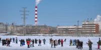 В Екатеринбурге сто танцоров выстроились на льду в единую надпись