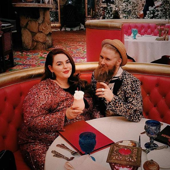 Тесс Холлидей с мужем. Фото Скриншот Instagram: tessholliday