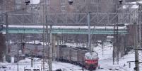 Девочка-подросток попала под поезд в Москве, перебегая железнодорожные пути в наушниках