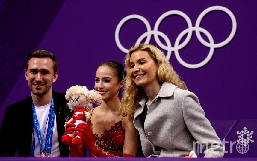 Алина Загитова и её тренеры Даниил Глейхенгауз и Этери Тутберидзе на Олимпиаде в Пхенчхане. Фото Getty