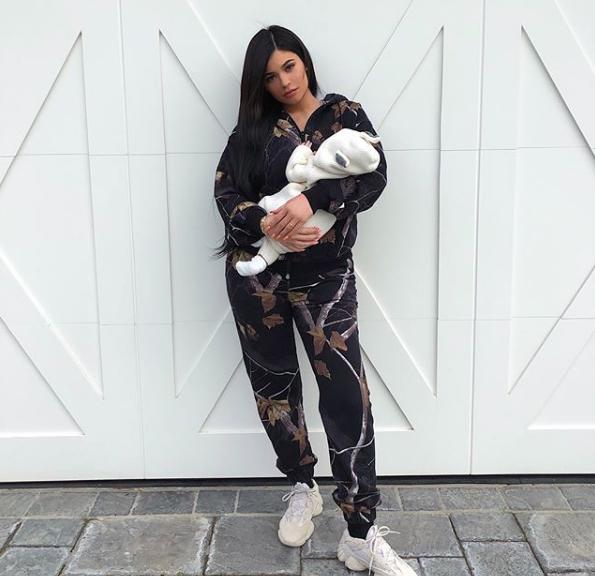 Кайли Дженнер с дочкой Сторми. Фото Скриншот Instagram: kyliejenner