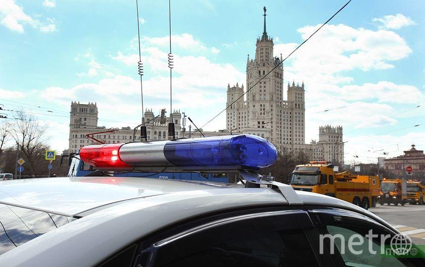 Неизвестный ограбил АЗС в Москве, обстреляв кассира из травматики. Фото Василий Кузьмичёнок