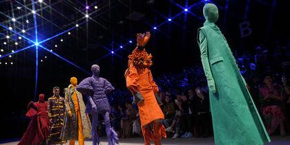 Беспощадно шокирующая Неделя моды в Пекине: стиль на грани сюрреализма