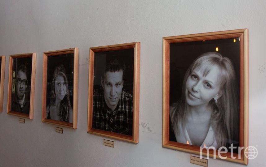 Это фотографии артистов. Раньше они были анимированными. Сейчас такой возможности нет - помещение не позволяет. Но в театре верят, что это временное неудобство. Фото Василий Кузьмичёнок