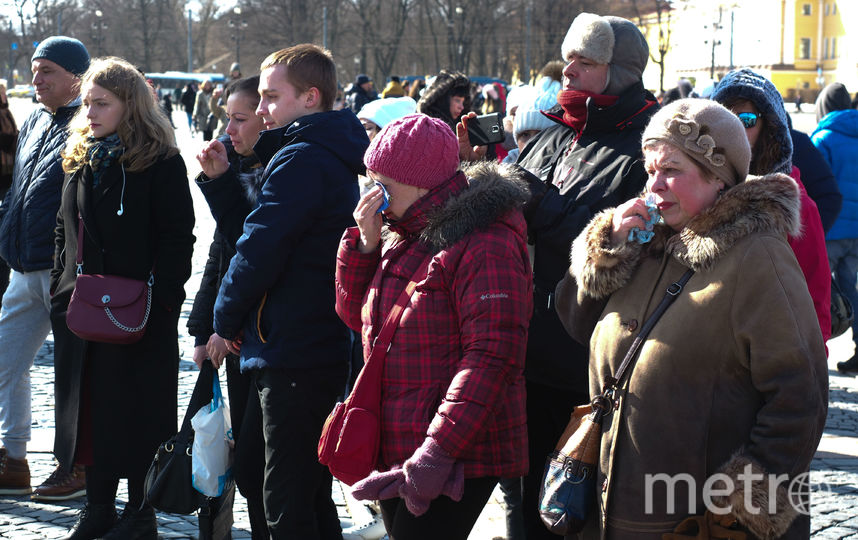 "На Дворцовой площади Петербурга. Фото Святослав Акимов, ""Metro"""